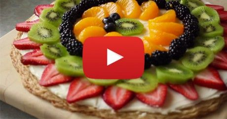 How To Make a Fruit Pizza With a Sugar Cookie Crust