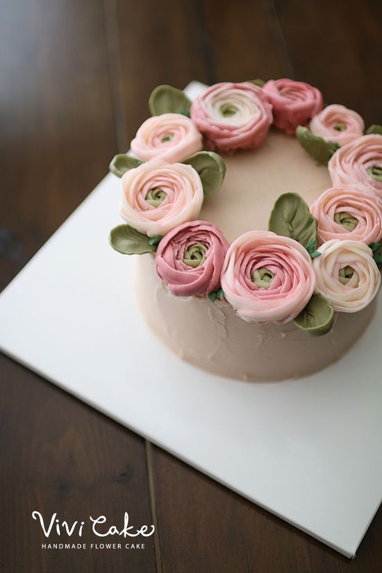 buttercreamcake . koreanflowercake