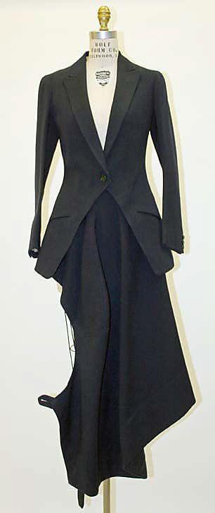 """Riding Habit: 1930, British, wool.    Marking: [label] """"Roberts & Carroll, 9 Cork St., London, W.I."""""""
