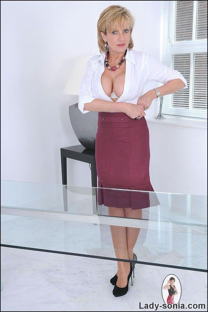 sexy undertøy lady sonia