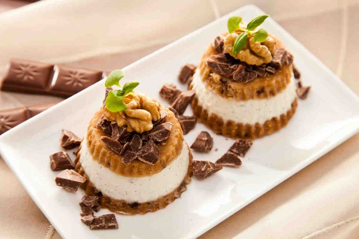 Waniliowe serniczki na zimno z czekoladą - wypróbuj sprawdzony przepis. Odwiedź Smaczną Stronę Tesco.