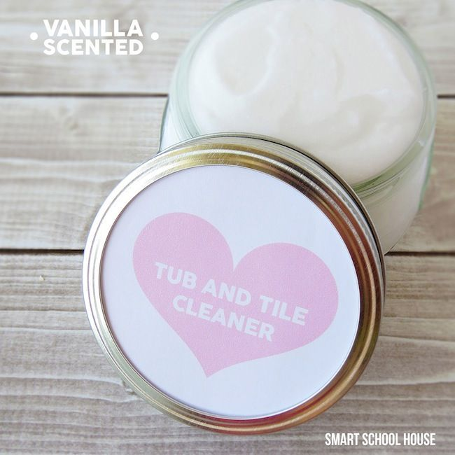 Homemade vanilla scented Tub and Tile Cleaner
