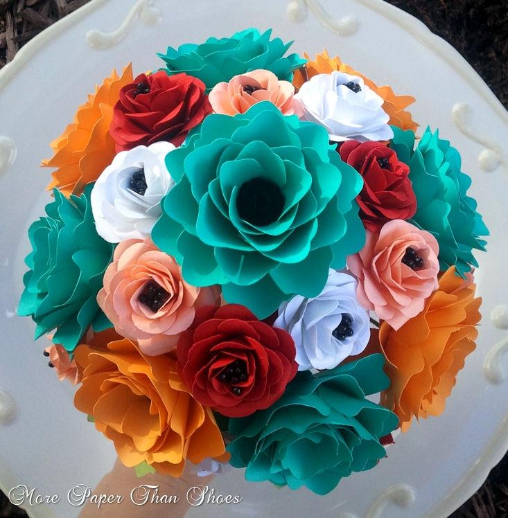 31 best Paper flowers images on Pinterest | Paper flowers, Paper ...