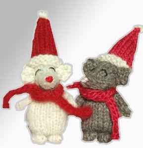 Cute Christmas mouse Pattern: http://knitting.myfavoritecraft.org/christmas-decoration-patterns/