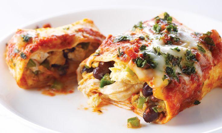 Enchiladas au poulet, aux œufs et aux haricots noirs