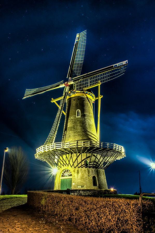 Night Shots Mill Never Perfect | Gorinchem | Netherlands | Photo By  Etienne Hessels