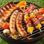 Μπάρμπεκιου  Ψήσιμο στα κάρβουνα. Κρέας κοτόπουλο ψάρια & λαχανικά περισσότερα στο : http://www.helppost.gr/how-to/psisimo/sxara-karvouno-symvoules/