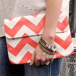 An easy way to spruce up an old secondhand bag with a little paint and a fun pattern. #craftgawker