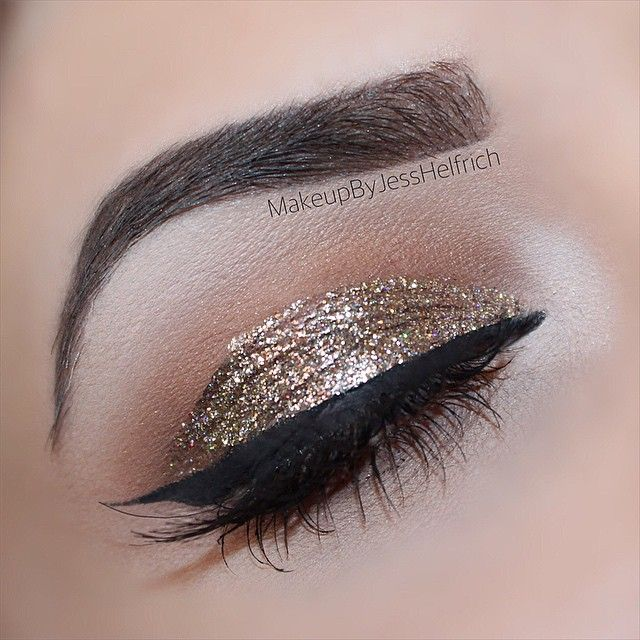 @anastasiabeverlyhills dipbrow in dark brown, revlon photoready eye art in topaz twinkle ✨ #makeupbyjesshelfrich