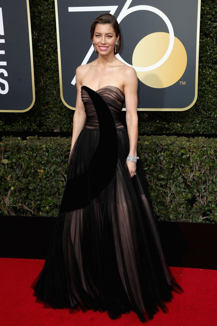 2018 Golden Globes Awards Red Carpet - Jessica Biel wearing Dior