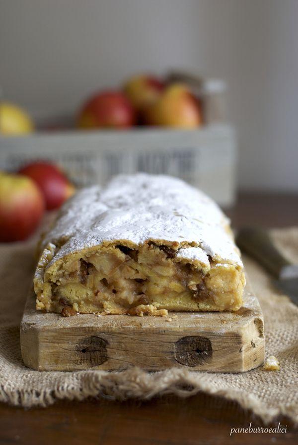 E' di nuovo il tempo delle mele !  L'appuntamento è fisso: ogni anno in questo periodo arriva sul blog un dolce (o un salato!) con le m...