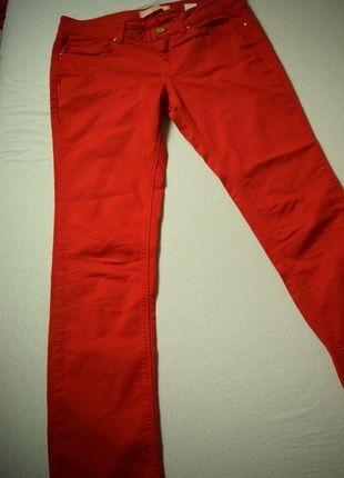 Kaufe meinen Artikel bei #Kleiderkreisel http://www.kleiderkreisel.de/damenmode/rohrenhosen/131970350-rote-rohrenjeans-mit-goldenen-knopfen