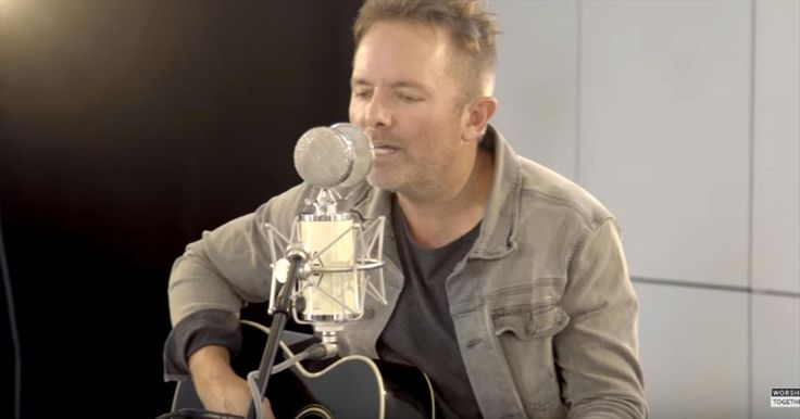 Worship With Chris Tomlin And Friends With Acoustic 'He Lives' - Christian Music Videos