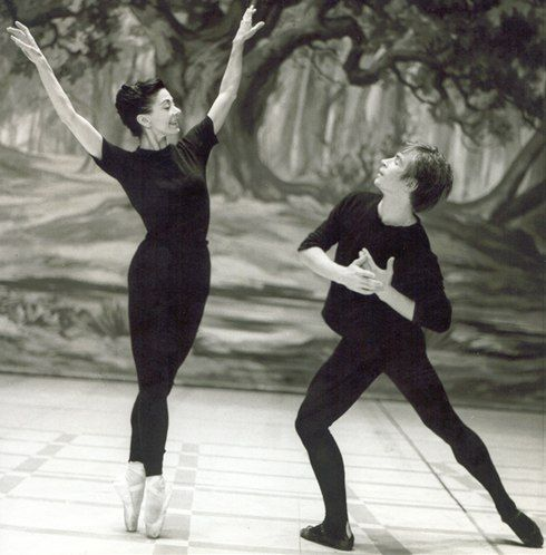 "Royal Ballet, Rudolf Nureyev and Margot Fonteyn rehearsing for ""La Sylphide,"" 1963 (Photo : Frederika Davis)"