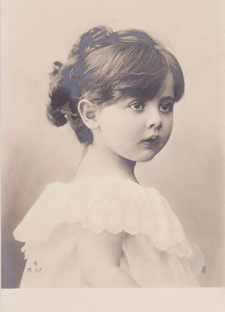 Pretty Edwardian Girl♥