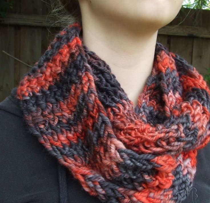Fireside Loom Knit Cowl | Loom knitting patterns, Loom ...