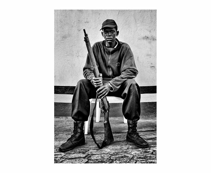 Trabajadores | South Wind Pictures Former Soldier, Africa 2013