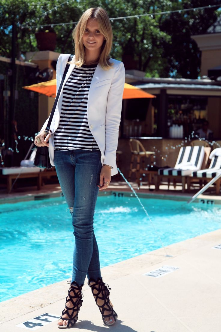 Skinny jeans, striped top, cage sandals and white blazer