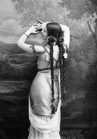 Mata Hari, 1900s
