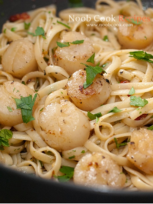 Super Italian Aglio Olio... with SCALLOPS. This is a must-try.