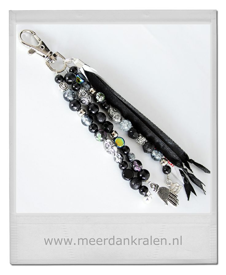 Bestel een unieke handgemaakte sleutelhanger/tashanger, kant-en-klaar of op maat gemaakt bij Meer dan Kralen. Ook leuk om cadeau te geven!