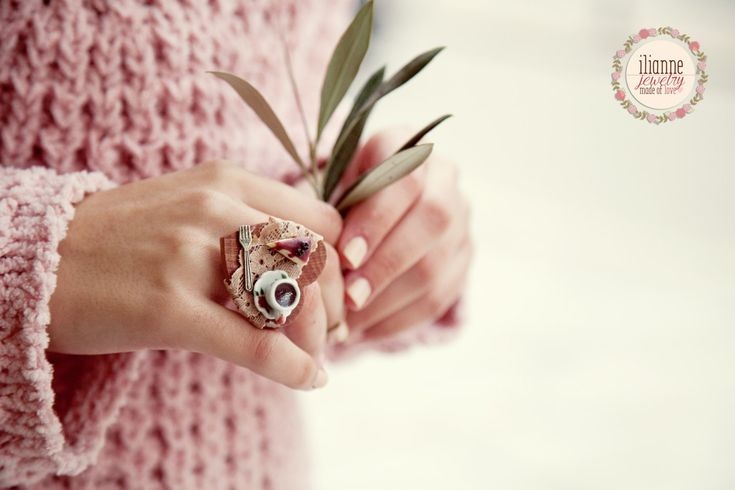 Ilianne | Jewelry Made of Love - Romantic Vintage Table