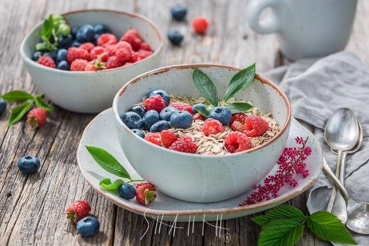 Oatmeal with berries. #foodphotographer #foodphotography #food #shaiith #foodporn #oatflakes #breakfast #oatmeal #blueberry #healthyfood #raspberry #rustic #milk #redfood #bluefood #summerfood #fruit #berries #rawfood #countryfood