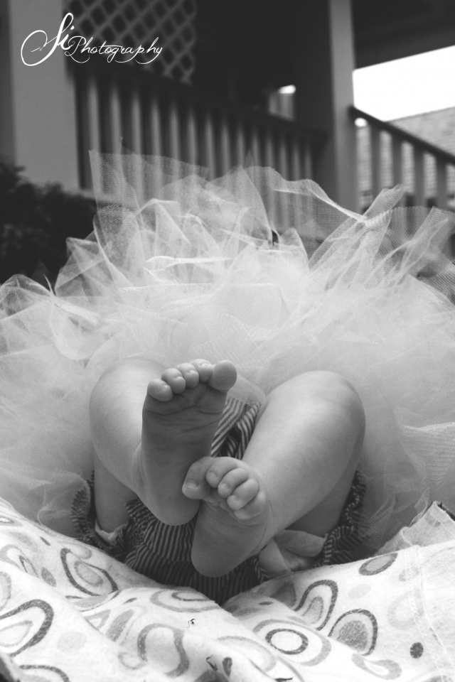 I need to make baby a tutu so if its a girl she can wear it home from the hospital