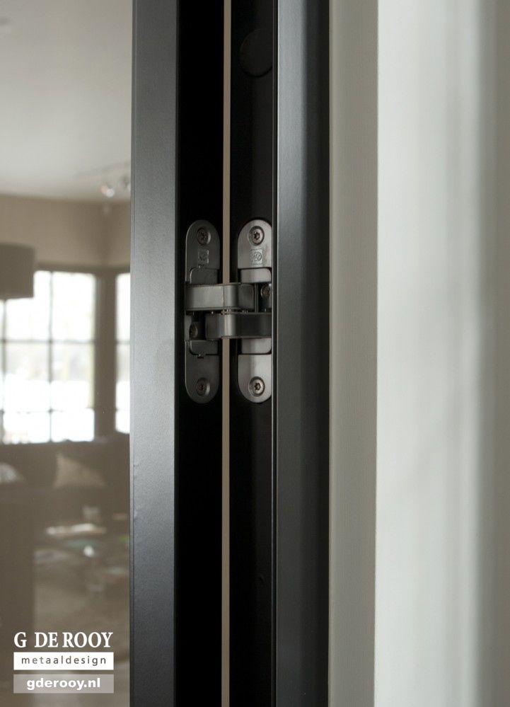 Exclusieve stalen deuren met verdekt scharnier in Aalsmeer   G. de Rooy Stalen binnendeuren Dekru iron framed doors taatsdeuren stalen deuren pivot deuren steel doors