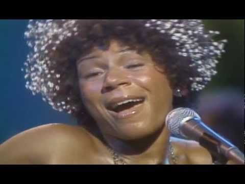 MS.MINNIE RIPERTON - Highest Notes - QUEEN Whistle Register in Live Performances - YouTube