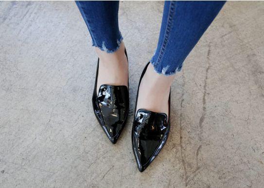 Korea womens shopping mall [REALCOCO] Dorothy Patent Loafers / Size : 230~240 mm / Price : 49.40 USD #koreafashionshop #koreafashion #pinterfashion #pinterclothes #pintershop #koreashop #dailyfashion #OOTD #apparel #shoes