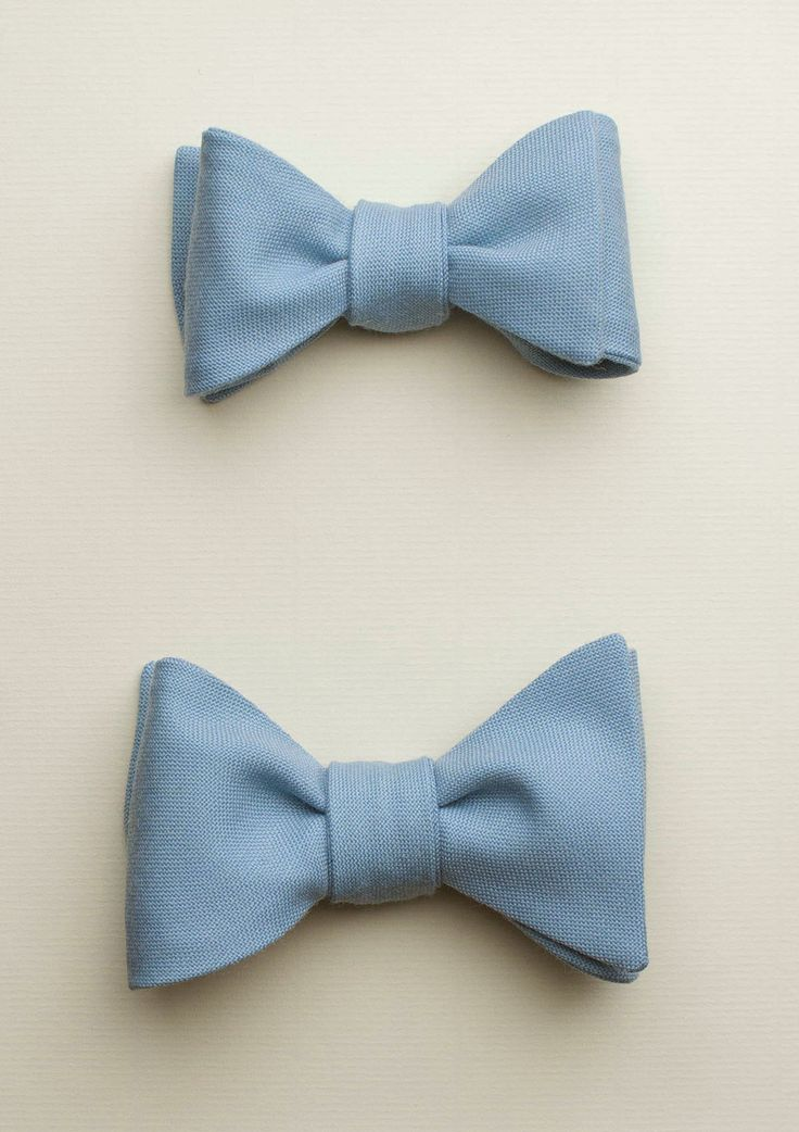 Zutiste 'Lys' nœuds papillon (French for 'bow tie'), made in Paris from pure English wool.
