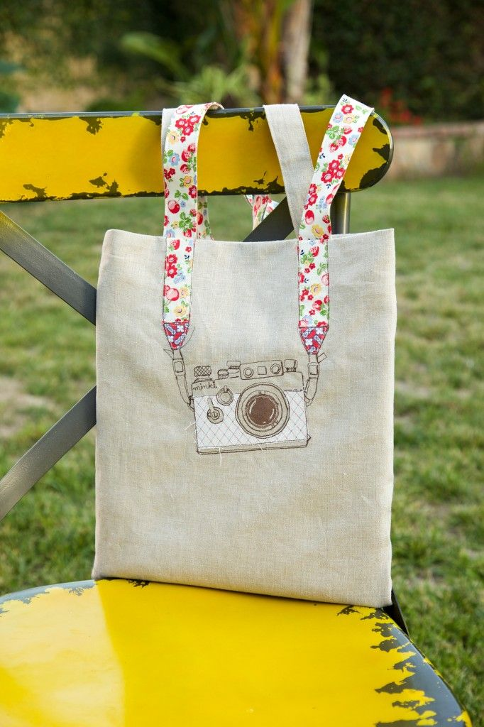 Camera applique tote bag
