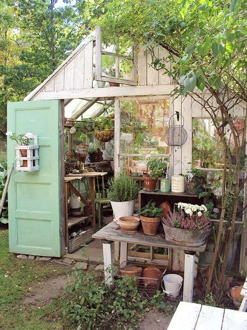 soulsoaked:  ruralgirl:  (via Pin by Amelia Rose on Tiny Farmhouse | Pinterest)  Yes, can I have one just like it