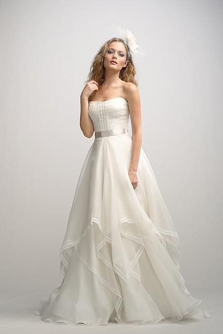 wedding dress, this would look absolutely georgous on you, Kimmie Knopp!!!!!