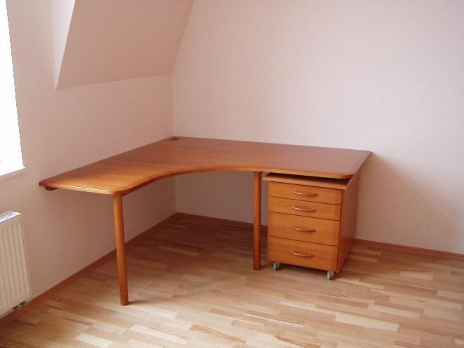 Rohový pracovní stůl - Nativ styl spol. s r.o.