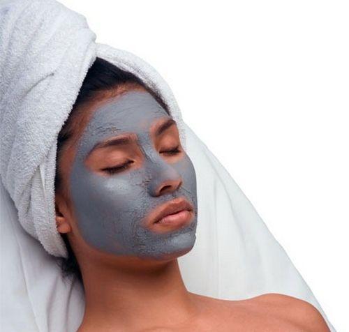 Противовоспалительные маски необходимо применять, когда у вас жирная кожа и на ней имеются так неприятные для нас угри и с расширенными порами. И так приступим к практической части. Все маски мы будем в месте с вами делать сами, так как они самые эффективные и не накладно для кармана, нежели средства, выпускаемые косметическими фирмами. Вариант маска №1: Одну чайную ложку желатина необходимо залить водой в небольшом количестве. Если у вас нет желатина можно его заменить семенами или…