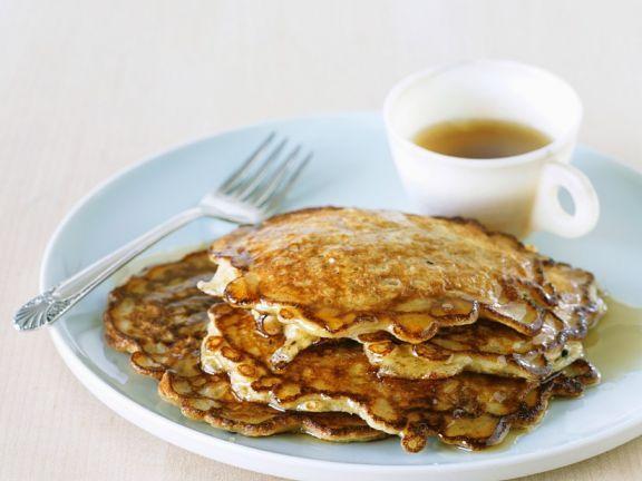 Pfannkuchen mit Haferflocken und Sirup ist ein Rezept mit frischen Zutaten aus der Kategorie Pfannkuchen. Probieren Sie dieses und weitere Rezepte von EAT SMARTER!