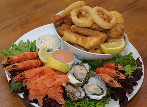 Shippies' Hot & Cold Seafood Platter, Shipwrights Arms Hotel, Battery Point, Tasmania, Australia. $45