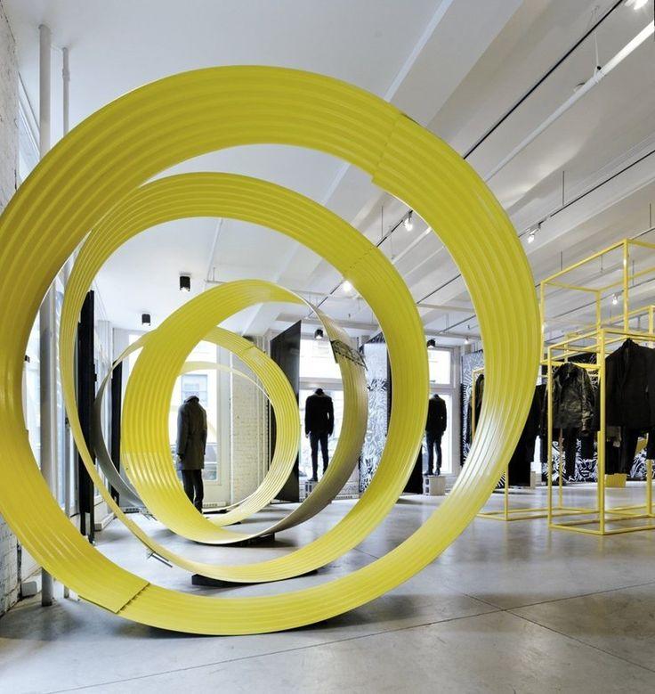 CLOSE UP Retail Store Montreal Canada Interior Design BlogsDesign