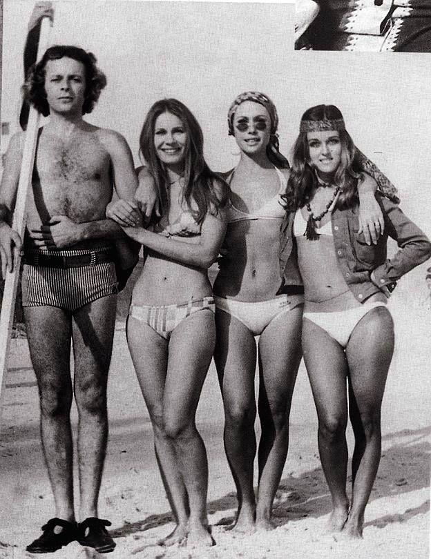 Carlos Vereza, Renata Sorrah, Dina Sfat e Djenane Machado, direto da praia carioca dos anos 70