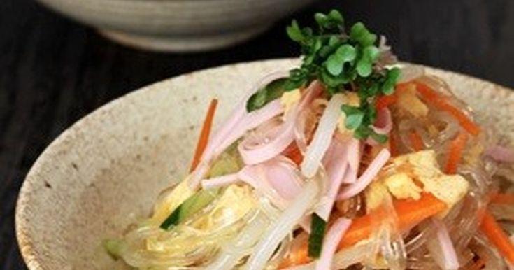 もやし入りのシャキシャキ食感の春雨サラダ。しっかり水を切り、下味に漬けこむと、水っぽくならない春雨サラダが出来ます。
