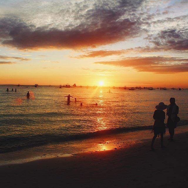 🙌🏼☀️ #Boracay #sunset #blessed #philippines #beach #vscocam #canon