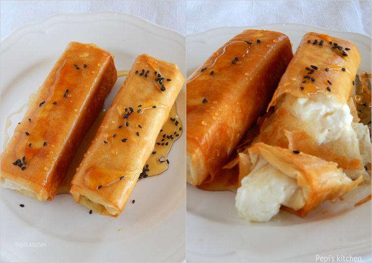 Φέτα τηγανητή με μέλι και σουσάμι http://laxtaristessyntages.blogspot.gr/2015/06/feta-tiganiti-me-meli-kai-sousami.html