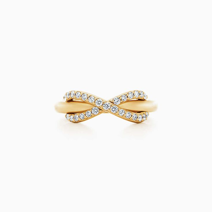 Tiffany Somerset™ narrow ring in 18k gold with diamonds.