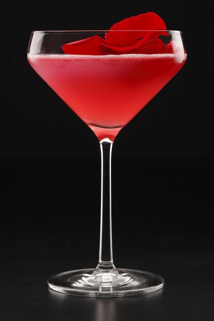 Rose Martini, el cóctel de los enamorados     http://www.zoomnews.es/estilo-vida/gastronomia/gastronomia/rose-martini-coctel-enamorados