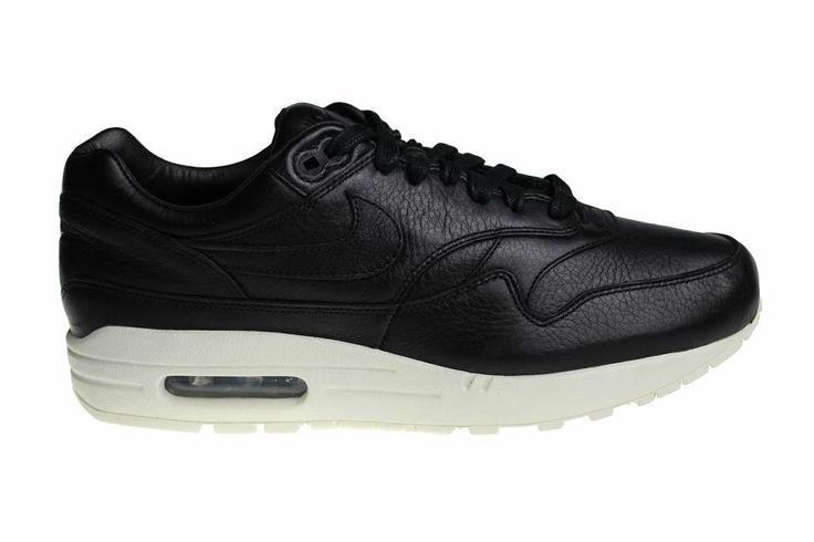 Exclusieve Nike NikeLab Air Max 1 Pinnacle voor heren. Deze schoenen hebben een zwarte bovenkant en witte zolen. Uitgebracht met de nieuwe oude vormen.