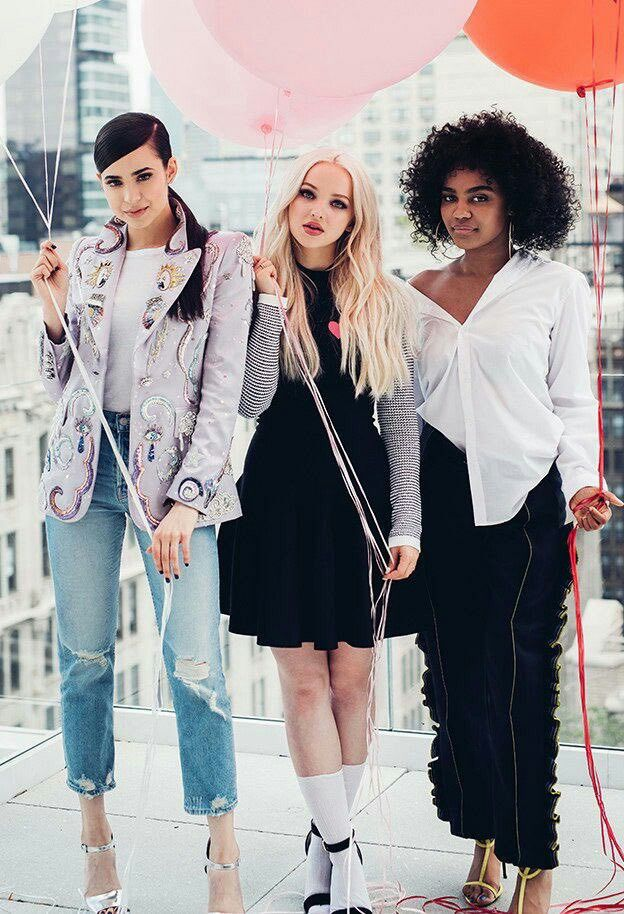 New photoshoot ofi Dove Cameron, Sofia Carson & China Anne McClain