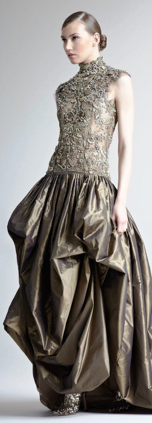 Oscar de la Renta ~Latest Trendy Luxurious Women's Fashion - Haute Couture - dresses, jackets, bags, jewellery, shoes