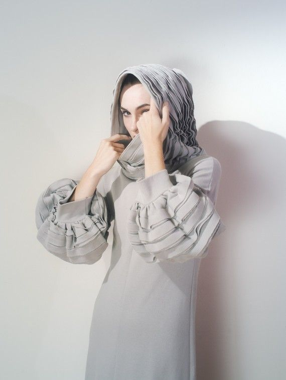 Gray sculptured dress. Love this idea.